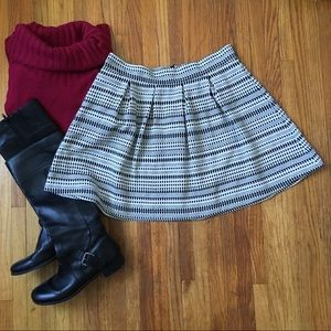 Dresses & Skirts - Cute black and white tapestry fabric skirt. Size L